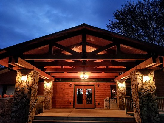 Cherokee / Great Smokies KOA: Campground Store and Registration