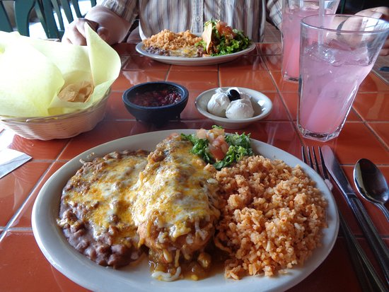 El Chorlito Mexican Restaurant: Chile rellenos,rice and beans, San Simeon, CA