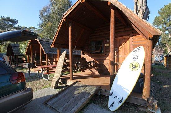 Santa Cruz / Monterey Bay KOA : Camping Cabin