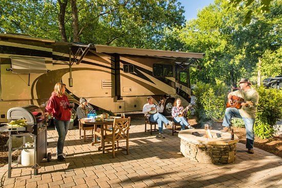 Townsend / Great Smokies KOA: RV patio sites