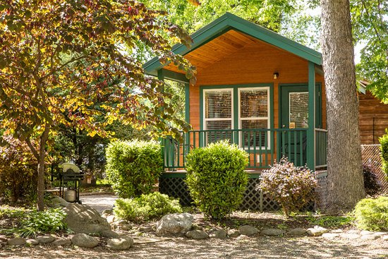 Townsend / Great Smokies KOA: Deluxe Studio Cabin