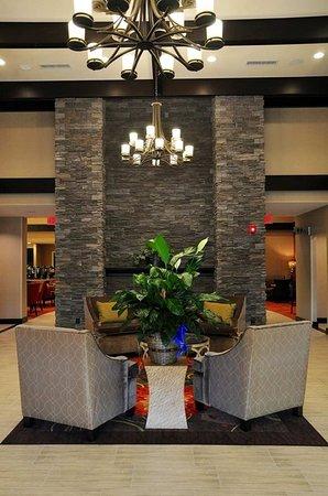 Warrington, PA: Lobby