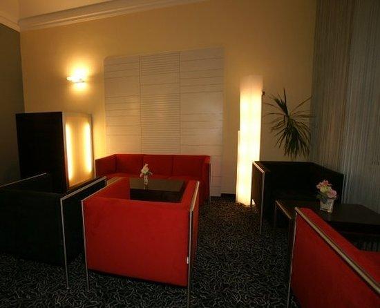 Hotel Lunik: Bar/Lounge