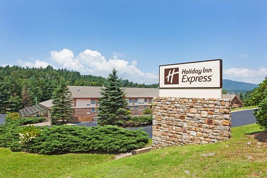 holiday inn express blowing rock south 85 9 5. Black Bedroom Furniture Sets. Home Design Ideas