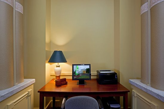 Holiday Inn Salem (I-93 at exit 2): Property amenity