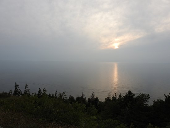 Cabot Trail : Foggy sunset