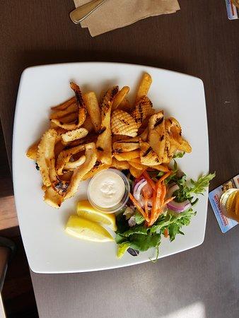 Swansea, Australia: Fried chilli Calamari