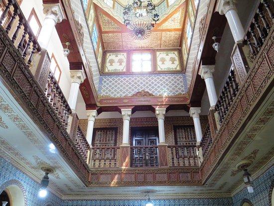 Kairouan, Tunisia: l'étage tout aussi décoré