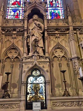 Église Saint-Michel-des-Lions : Une belle église dans un joli quartier