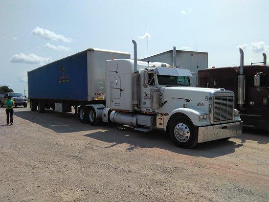 Lusk, WY: American Truck