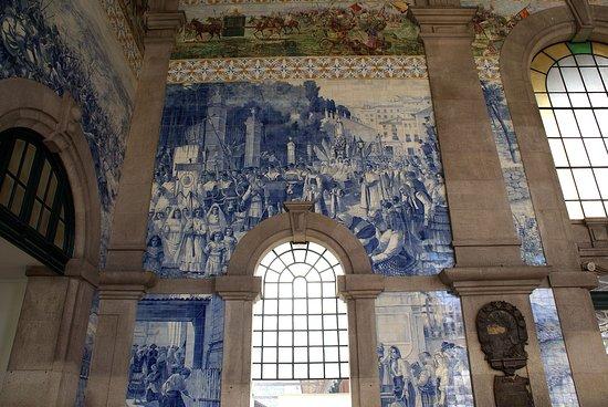 Faiences murales dans le 1er hall de la gare obr zek for Faiences murales