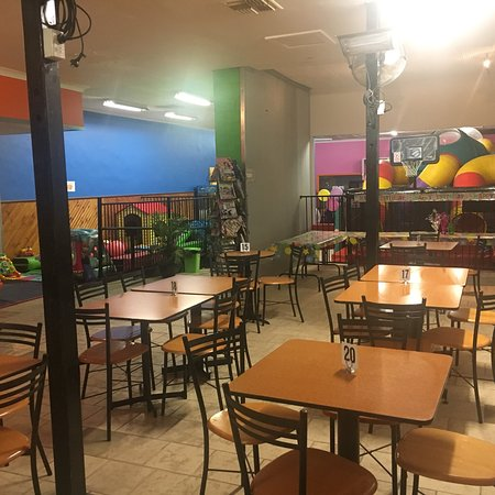 Broken Hill, Australia: Cubbyhouse indoor playcenter and cafe