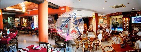 Velez Rubio, Espanha: 2 salones. Cafetería-Bar y Restaurante