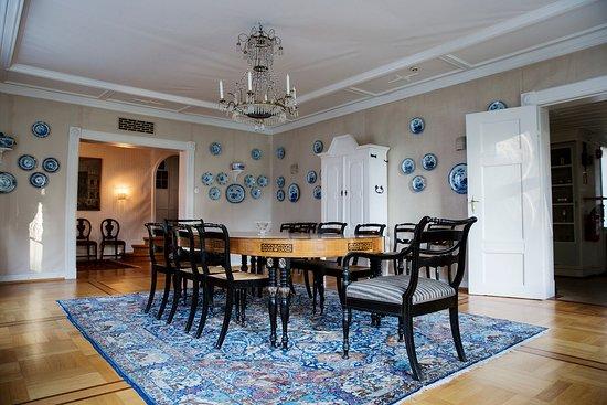 Godvik, Norvège : Interior at Alvøen Manor, guided tours in the summer sat-sund. photo: Tove Breistein