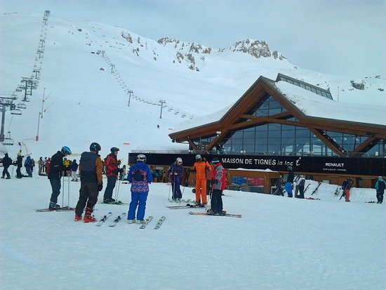 Chalet Rosset : Setting out for skiing