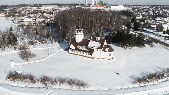 Podolino, รัสเซีย: Смоленский Храм д.Подолино  с воздуха