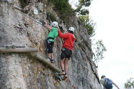 Accro roc des infruts: Le contact avec le calcaire du Larzac