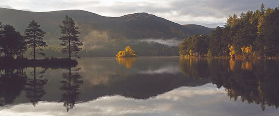 Aviemore, UK: Loch an Eilein in the Autumn