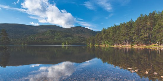 Aviemore, UK: Loch an Eilein in summer