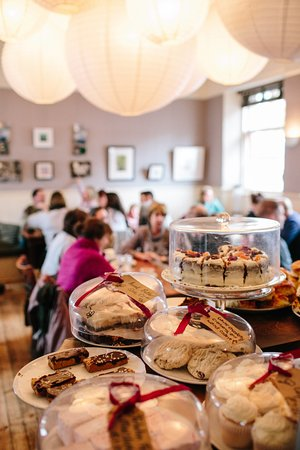 Rothiemurchus: Home made cakes at The Druie Café