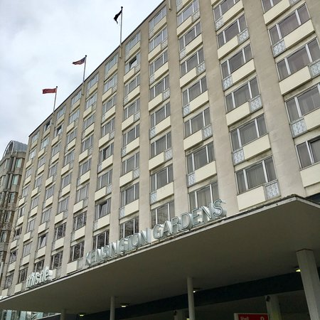 Hotel side over petrol station and facing hyde park - Thistle kensington gardens hotel ...