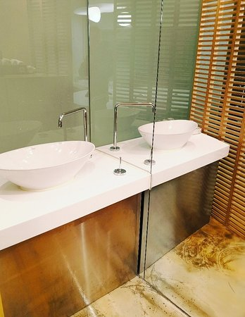 Hotel The Designers Samseong: IMG_20180320_155827_large.jpg