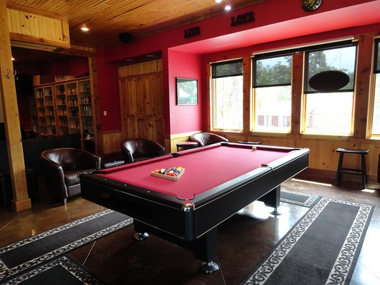 Cookson, OK: Main Lodge Pool table