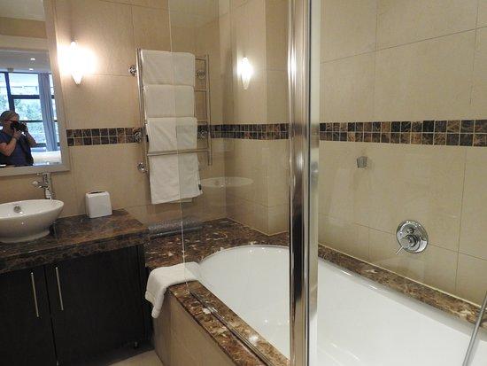African Elite de Waterkant: Badezimmer