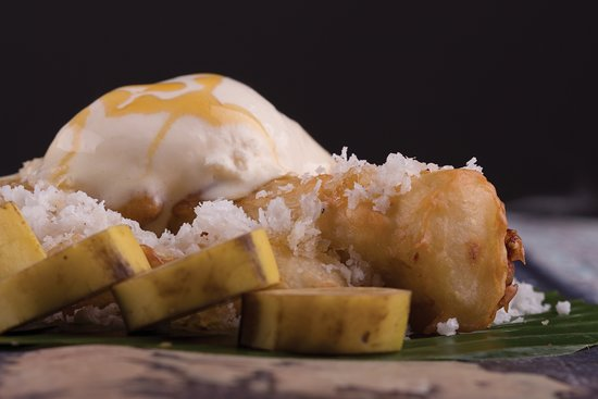 Isa Town, บาห์เรน: Gluay Tod  - Fried banana, served with vanilla ice cream and honey