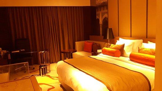 Pride Plaza Hotel Aerocity, New Delhi: A superior room having king-size bed