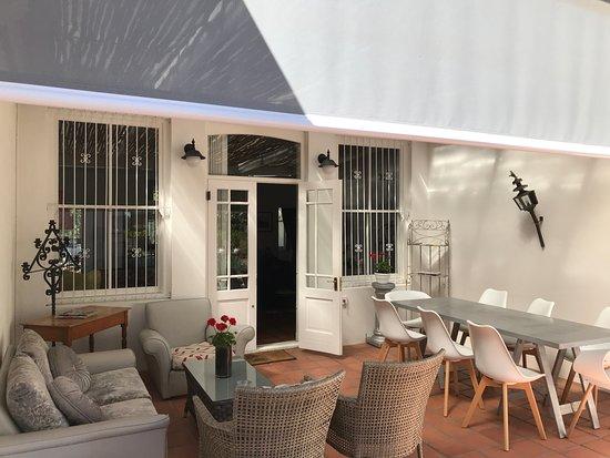 22 Die Laan Guest House: Patio