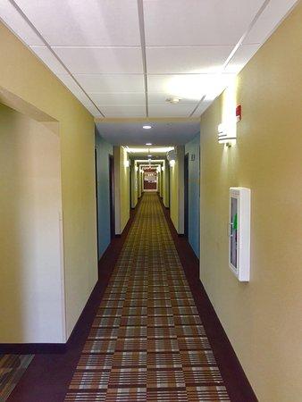 速 8 塔爾薩圖爾薩北區飯店照片