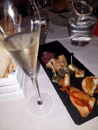 San Martino Alfieri, Italien: aperitivo..