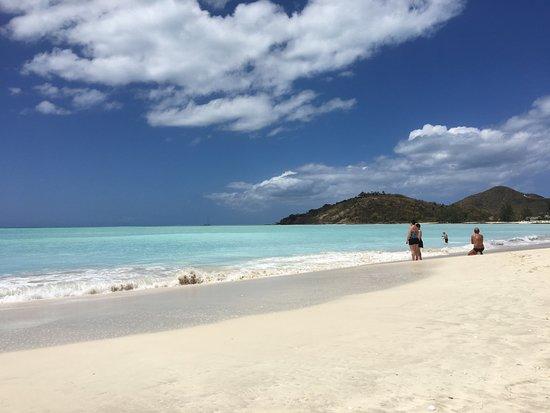 Saint Mary Parish, Antigua : Jolly Beach