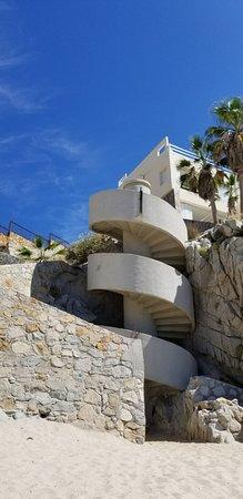 Welk Resorts Sirena Del Mar: Steps down to beach.