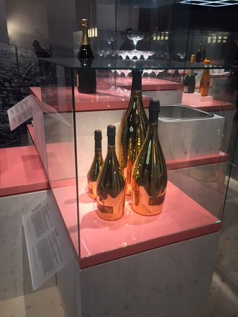 Spritmuseum: The temporary exhibit about champagne and its role in Swedish culture.