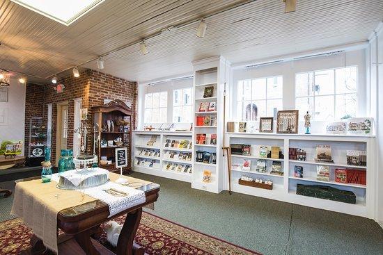 Spring Hill, Теннесси: The Gift Shop at Rippavilla
