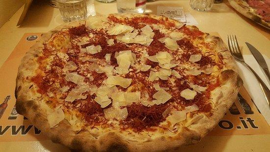 Marcon, Italy: Pizza Sfilacci di cavallo con aggiunta di grana a fine cottura