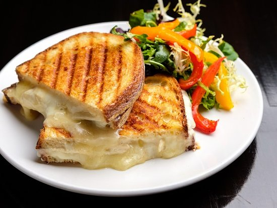 Burien, Ουάσιγκτον: Frankie's Grilled Cheese with micro greens