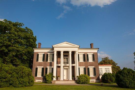 Spring Hill, Теннесси: Front Facade of Rippavilla's 1855 mansion