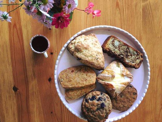 Washington, Джорджия: assorted breakfast pastries
