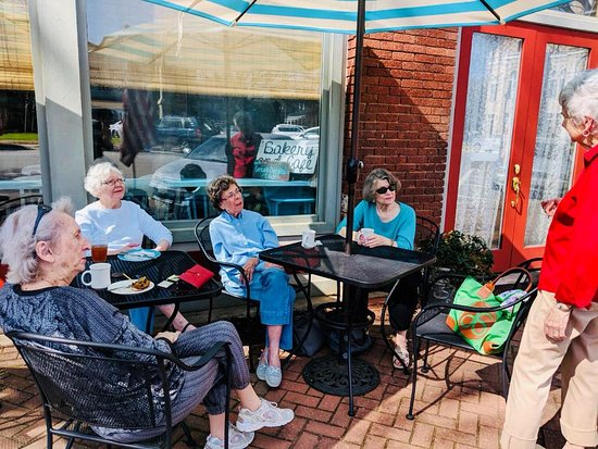 Washington, Gürcistan: enjoy our outdoor seating with friends