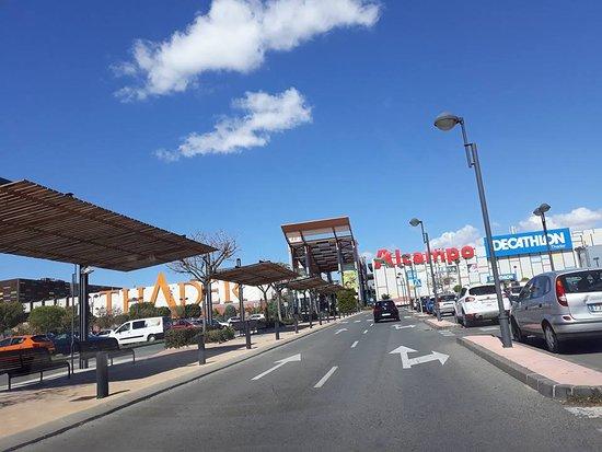 Centro Comercial Thader