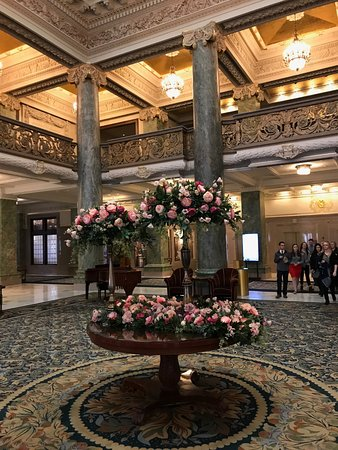Joseph Smith Memorial Building : This beautiful building's grandeur is enhanced by the lovely floral displays.