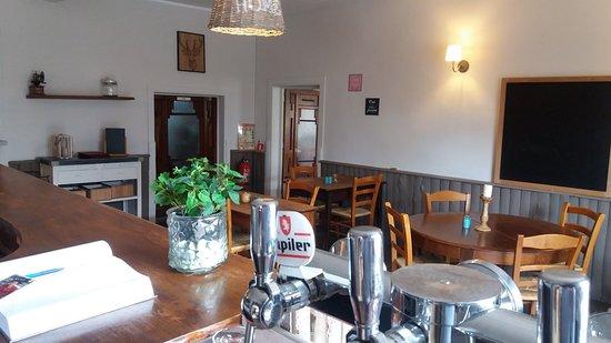 Le Mayet-de-Montagne, France: bar