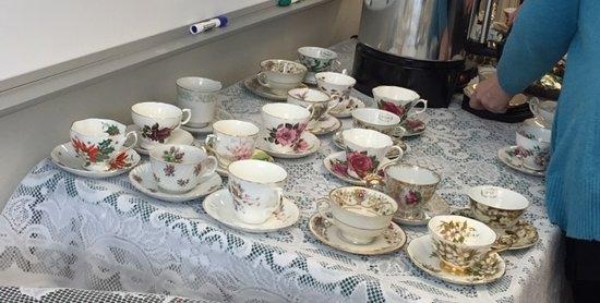 Harriet Beecher Stowe House: Antique tea cups