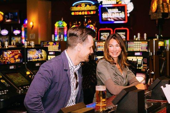 Point Arena, Californie : Garcia River Casino Bar