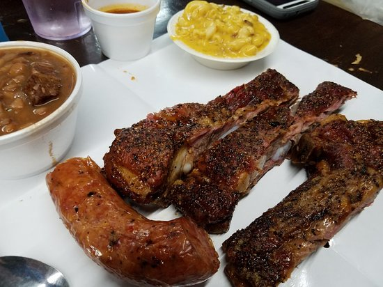Good BBQ - weekday visit avoidant the lines!