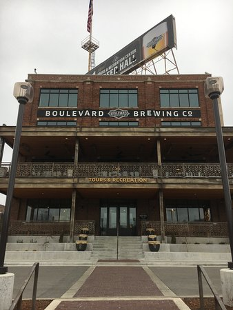 Boulevard Brewing Company: Taproom across from the brewery
