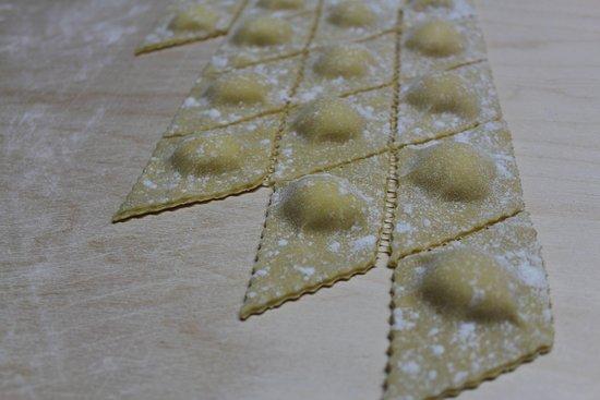 Chiusi della Verna, Itália: ravioli cacio e pere pronti da cuocere!